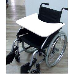 (שולחן לכיסא גלגלים (פורמייקה עם רצועות