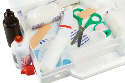 מה אתם חייבים לקחת בתיק עזרה ראשונה?
